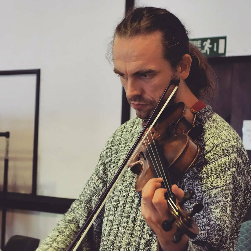 Learn to play the Fiddle block mentored by Alasdair Macrae