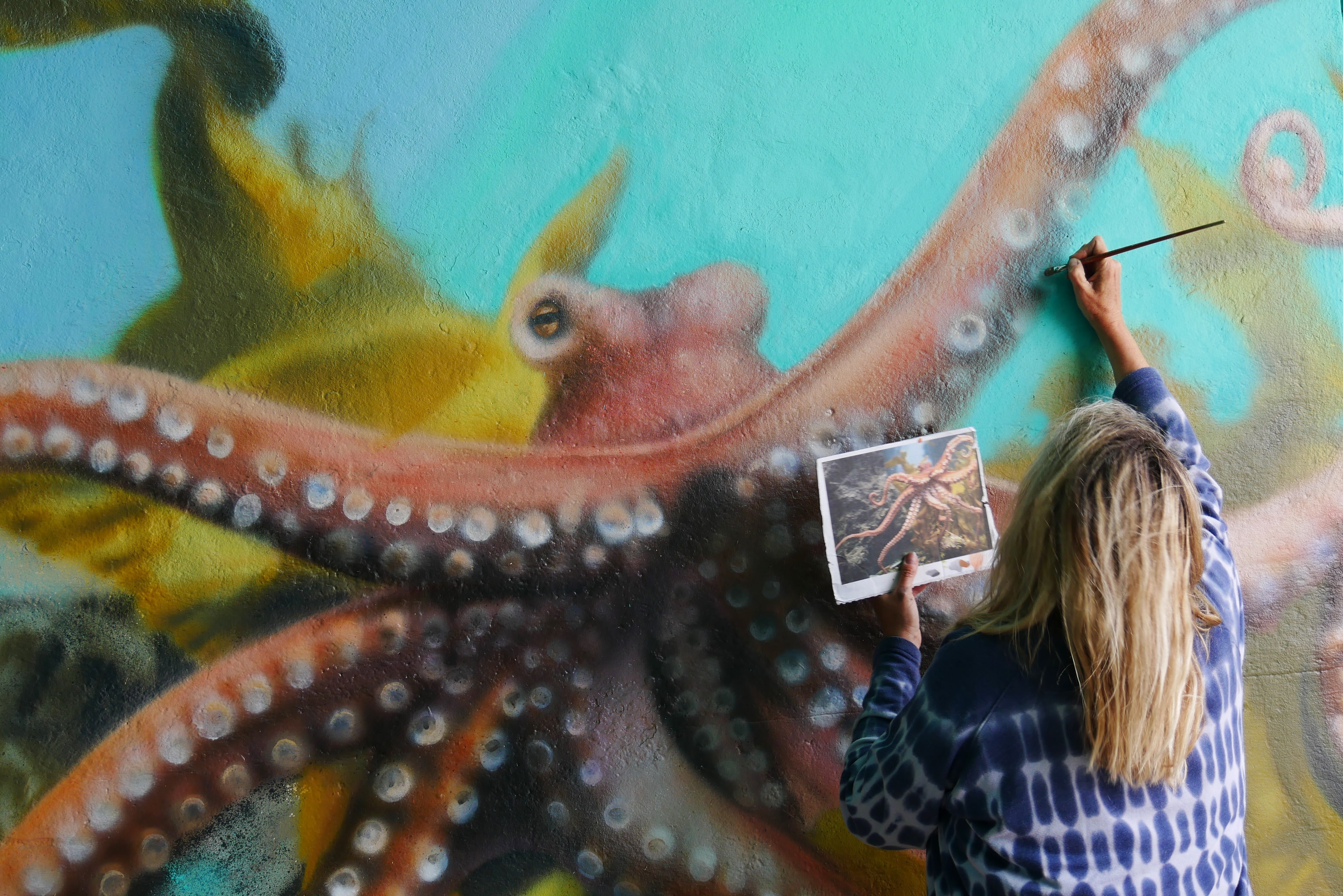 Paint your own mural at HOME (Adults) apprenticeship mentored by Sarah Gillings