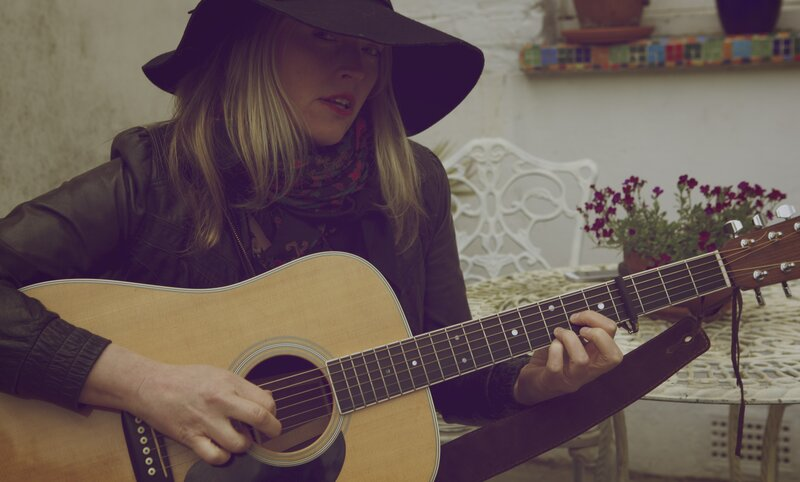 Learn to sing and play guitar block mentored by Sadie Jemmett