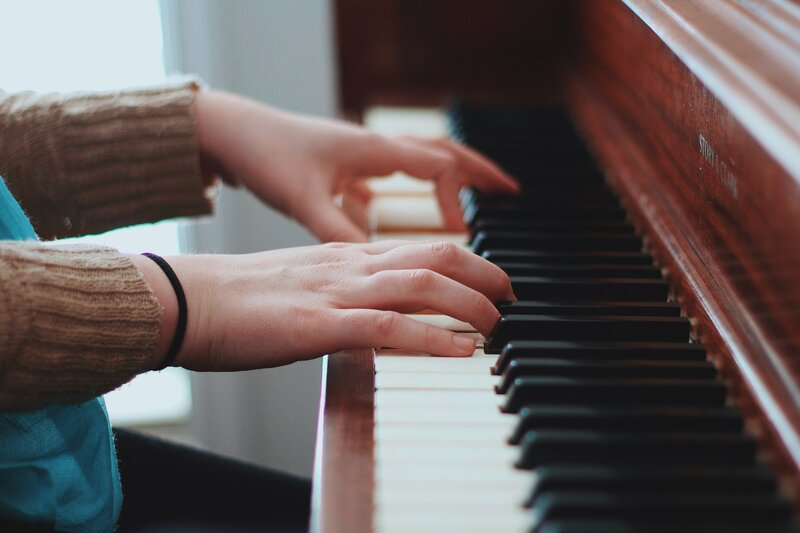 Piano tuition block mentored by Kate Simmons