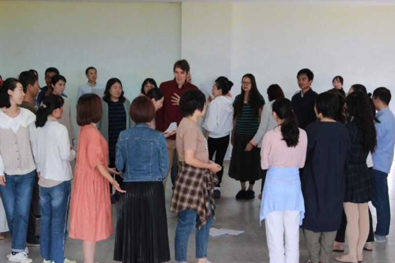 Growing Wings: A 4 part drama course to help you step into your light block mentored by Martin Schmandt