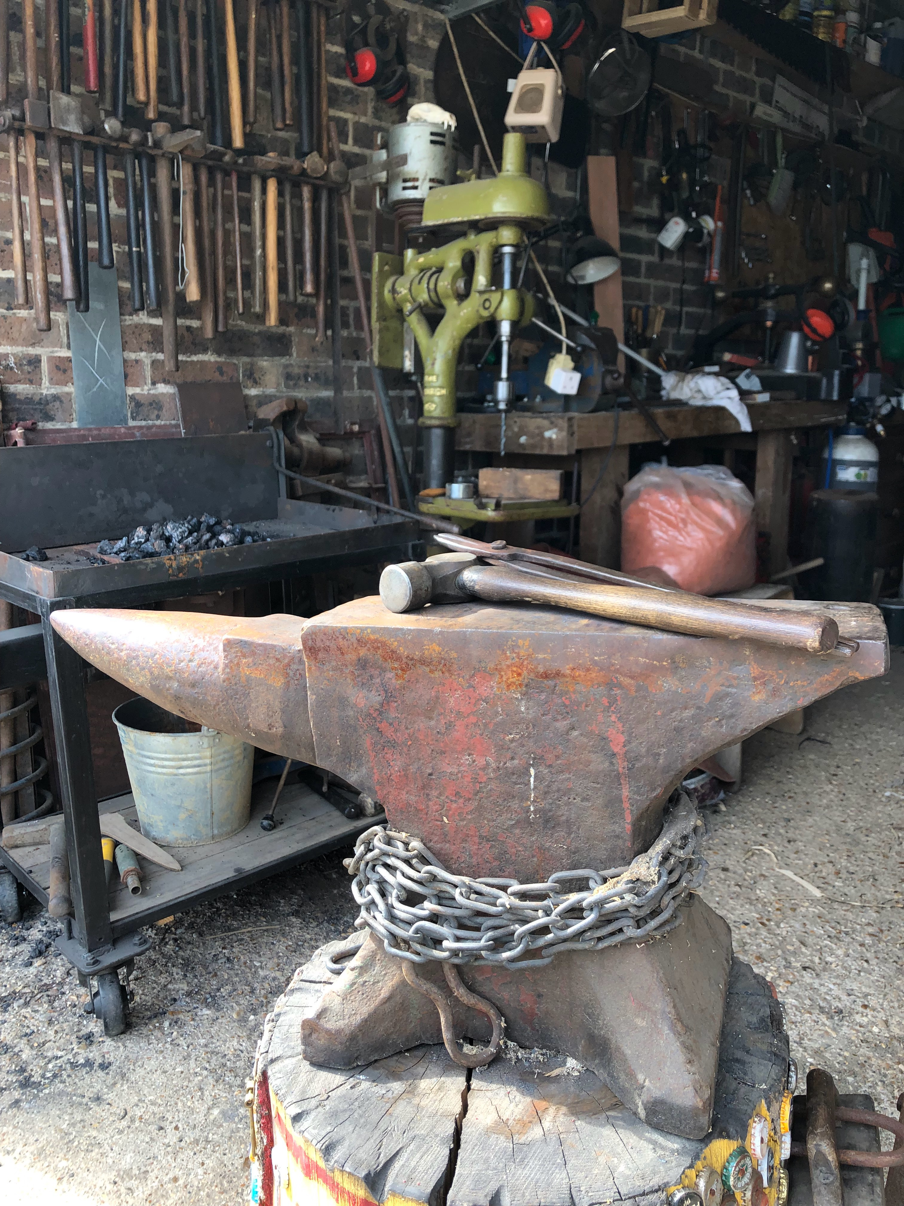 Intro to Blacksmithing workshop mentored by Ulysses de Diepold